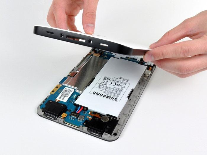 thay-pin-p1000-08